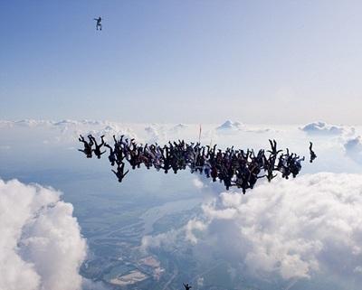 108 vận động viên lập kỷ lục thế giới rơi tự do - 2