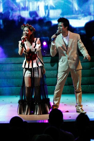 Thanh Thảo hát mừng sinh nhật Quang Dũng - 1