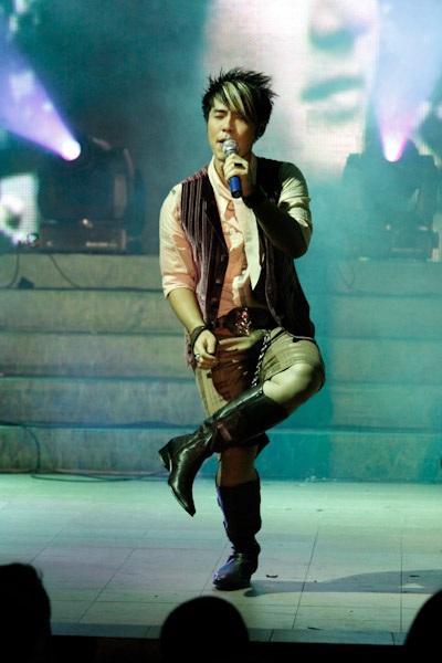 Thanh Thảo hát mừng sinh nhật Quang Dũng - 13