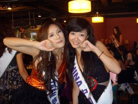 Thái Hà kết thân với thí sinh nước chủ nhà  - 6