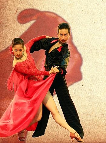 Khánh Thi tiết lộ về bạn nhảy thay thế Chí Anh - 4