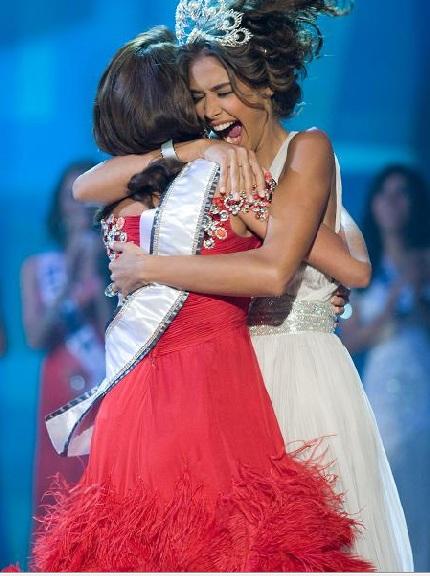 Xem lại đêm thi sôi động của Hoa hậu Hoàn vũ 2009 - 55