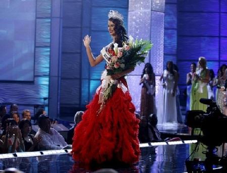 Xem lại đêm thi sôi động của Hoa hậu Hoàn vũ 2009 - 59