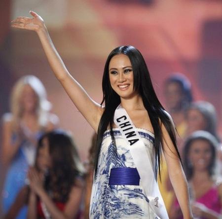 Xem lại đêm thi sôi động của Hoa hậu Hoàn vũ 2009 - 42