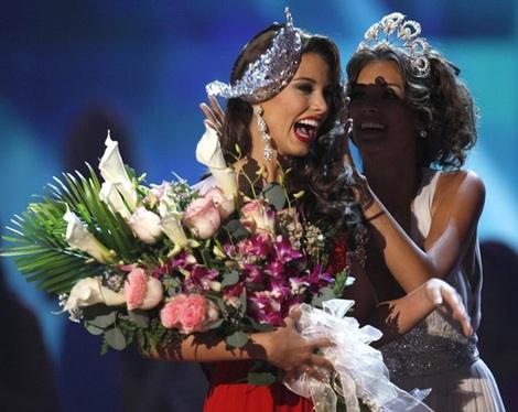 Xem lại đêm thi sôi động của Hoa hậu Hoàn vũ 2009 - 56