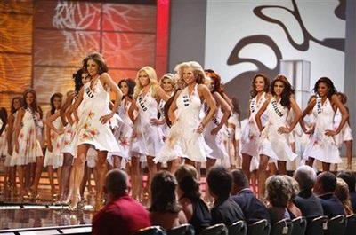 Xem lại đêm thi sôi động của Hoa hậu Hoàn vũ 2009 - 2