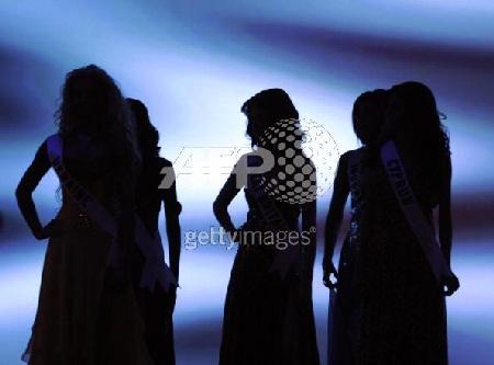 Xem lại đêm thi sôi động của Hoa hậu Hoàn vũ 2009 - 31