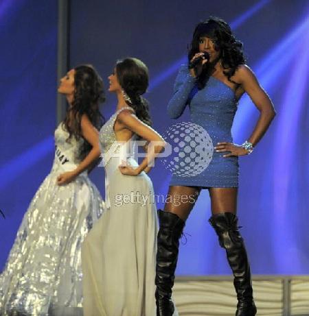 Xem lại đêm thi sôi động của Hoa hậu Hoàn vũ 2009 - 32
