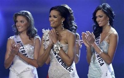 Xem lại đêm thi sôi động của Hoa hậu Hoàn vũ 2009 - 40