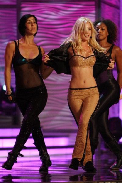 Xem lại đêm thi sôi động của Hoa hậu Hoàn vũ 2009 - 11
