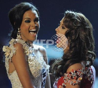 Xem lại đêm thi sôi động của Hoa hậu Hoàn vũ 2009 - 52