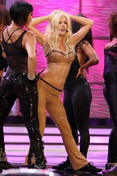 Xem lại đêm thi sôi động của Hoa hậu Hoàn vũ 2009 - 12