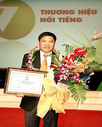 """Hệ thống Anh Văn hội Việt Mỹ - """"Thương hiệu nổi tiếng nhất ngành hàng giáo dục đào tạo"""" - 1"""