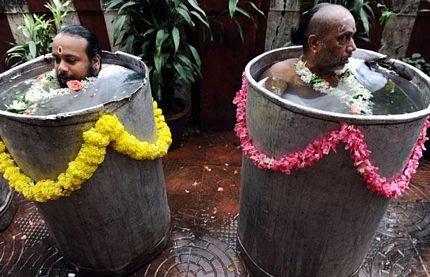Ảnh nghi lễ cầu mưa có một không hai ở Ấn Độ  - 6