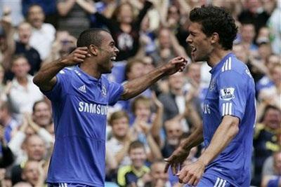 """""""Giải mã"""" Burnley, Chelsea tạm chiếm ngôi đầu - 3"""