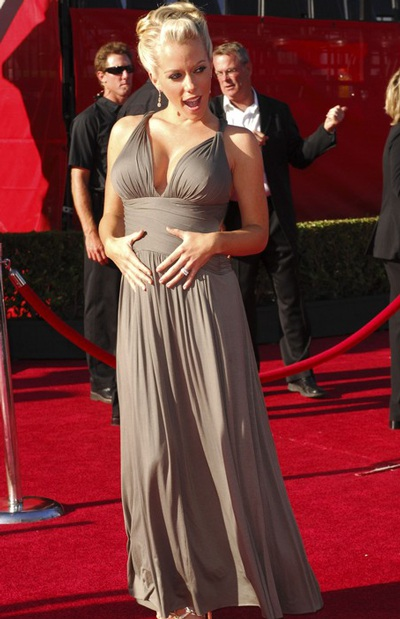 """Kendra Wilkinson: """"Mang bầu, tôi sướng như nữ hoàng"""" - 4"""
