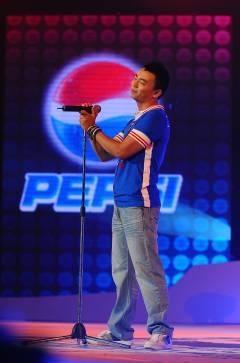 Đinh Mạnh Ninh giành phần thưởng đi Mỹ thu âm cùng Akon - 6