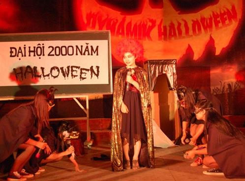 """Sinh viên báo chí """"rùng rợn, hài hước"""" với Halloween - 1"""