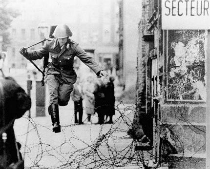 Nhiều người đã thiệt mạng khivượt qua Bức tường Berlin để sang Tây Đức.