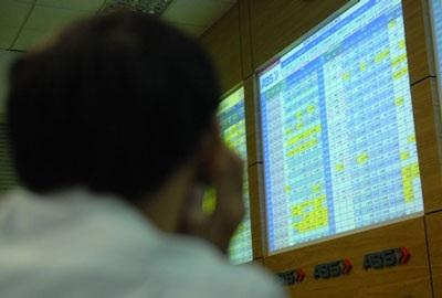 Thanh khoản tăng nhẹ, VN-Index vượt ngưỡng 510 điểm - 1
