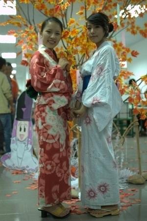 """Nữ sinh """"say"""" với điệu múa Geisha - 3"""