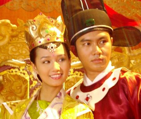 Sát ngày đính hôn, Lã Thanh Huyền vẫn mải mê đóng phim - 1
