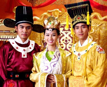 Sát ngày đính hôn, Lã Thanh Huyền vẫn mải mê đóng phim - 2