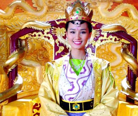 Sát ngày đính hôn, Lã Thanh Huyền vẫn mải mê đóng phim - 3