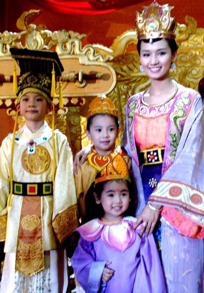 Sát ngày đính hôn, Lã Thanh Huyền vẫn mải mê đóng phim - 4