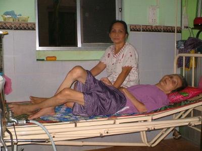 Cô gái đem ước mơ tuổi 20 cùng nhập viện - 2