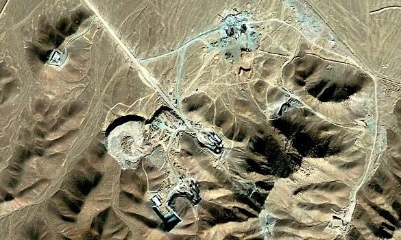 """""""Chính LHQ buộc Iran phải xây thêm 10 nhà máy hạt nhân"""" - 2"""