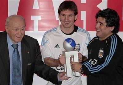 Lionel Messi giành danh hiệu Onze vàng - 1