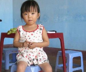 Bệnh tình nguy hiểm của bé gái có trái tim bên phải - 1