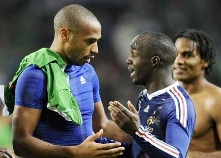 Thierry Henry thận trọng, Trapattoni nói cứng - 1