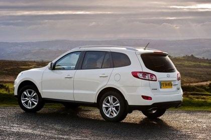 Hyundai Santa Fe phiên bản mới rẻ hơn - 2