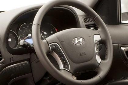 Hyundai Santa Fe phiên bản mới rẻ hơn - 4