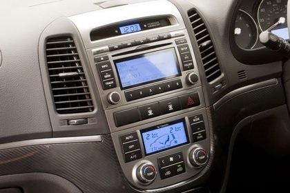 Hyundai Santa Fe phiên bản mới rẻ hơn - 5