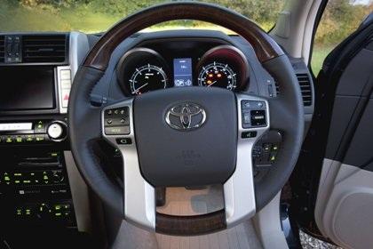 Land Cruiser 2010 có giá từ 50.000 USD  - 3