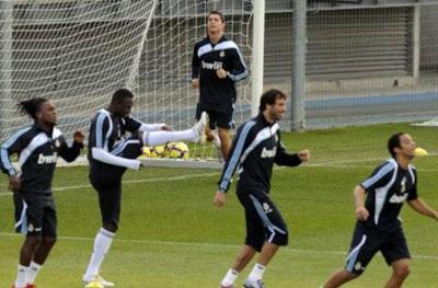 """Ronaldo sẽ """"tái xuất"""" trong vòng 10 ngày - 2"""