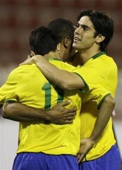 """Brazil """"thắng nhàn"""" trước Oman - 1"""