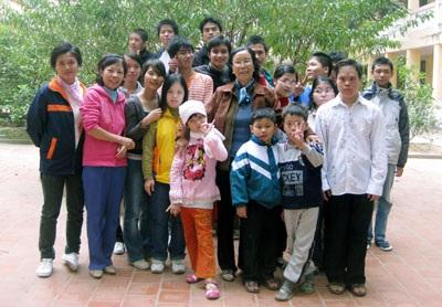 Những giáo viên nhận lương bằng… tình yêu thương - 1