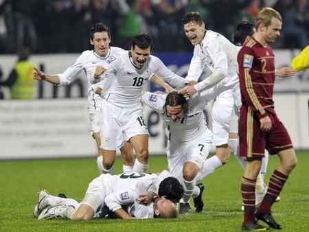 """Hạ """"gấu Nga"""", Slovenia tới World Cup cùng Hy Lạp - 2"""