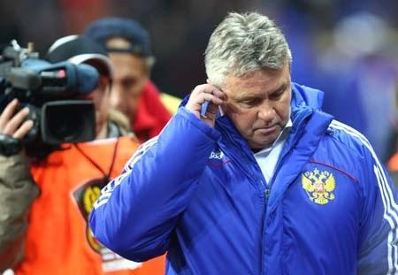 Tương lai của Guus Hiddink bị đặt dấu hỏi lớn - 1
