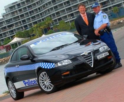 """Những """"siêu xe"""" cảnh sát - 4"""