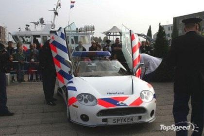 """Những """"siêu xe"""" cảnh sát - 10"""
