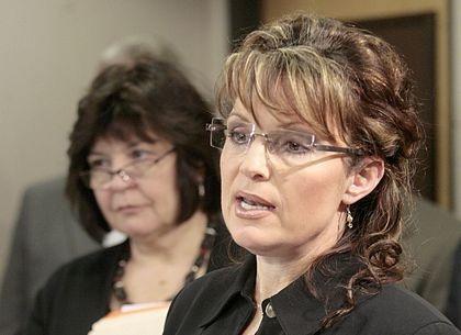 """Sarah Palin """"biến hóa"""" với các kiểu tóc  - 8"""