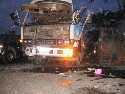 Tai nạn liên hoàn, tài xế tử nạn trong cabin - 1