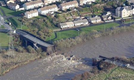 Ngập lụt hoành hành nước Anh - 10