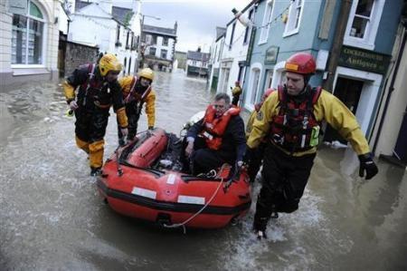 Ngập lụt hoành hành nước Anh - 4