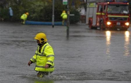 Ngập lụt hoành hành nước Anh - 7